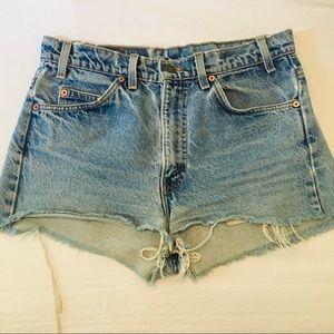Levis Strauss 505 Jean cut off shorts